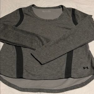 🎈EUC Under Armour womens loose Cold-gear shirt